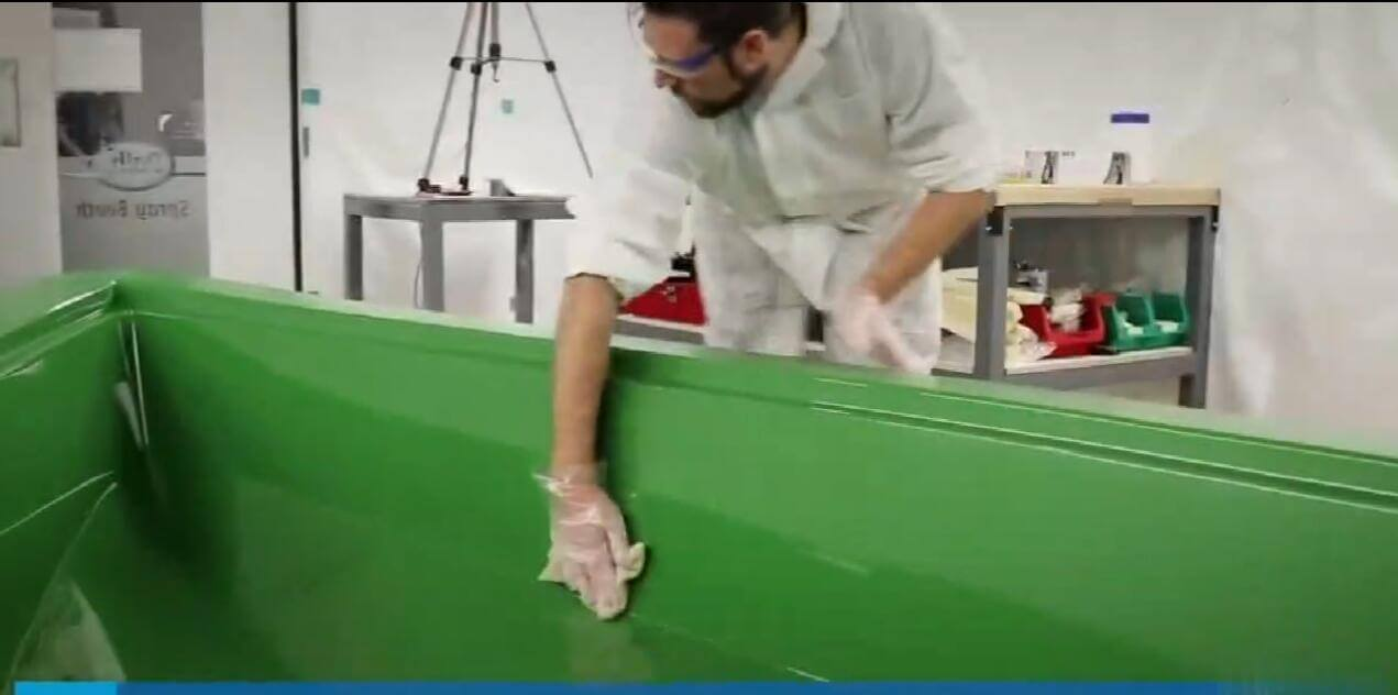 How to make fiberglass boat